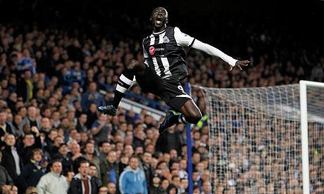 Papiss Cissé celebrates against Chelsea